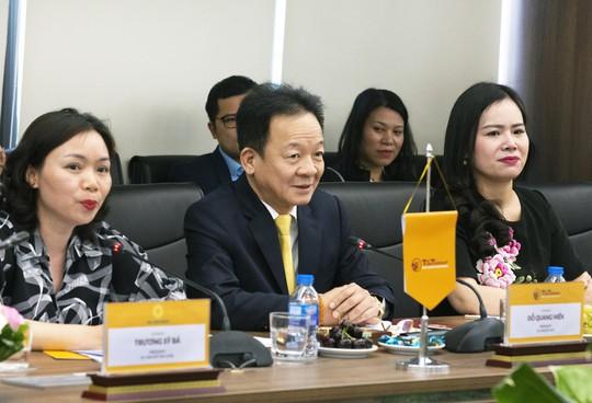 Bộ trưởng Ngoại giao Cộng hòa Bờ Biển Ngà đến thăm và làm việc tại T&T Group - Ảnh 1.