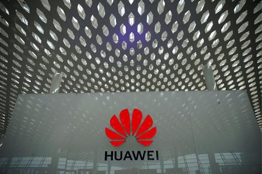 Huawei khởi kiện Bộ Thương mại Mỹ - Ảnh 1.