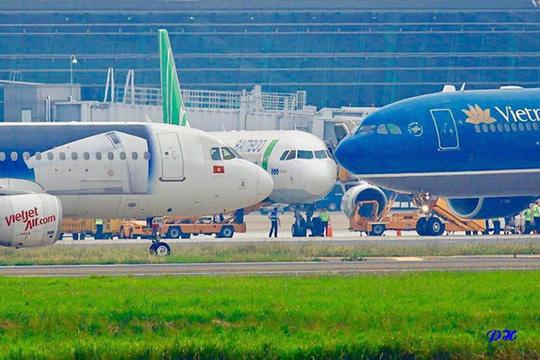 Thủ tướng: Nhiều hãng mới ra đời, hàng không Việt Nam khởi sắc - Ảnh 1.
