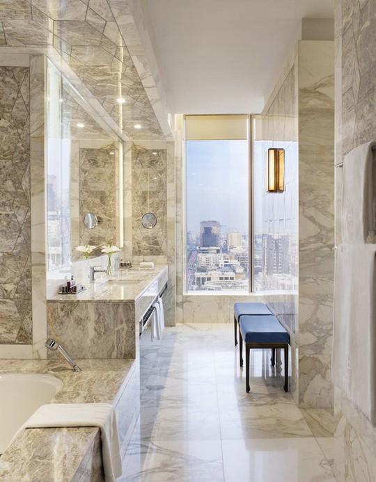 Chỉ nhờ mẹo thiết kế này mà phòng tắm luôn khiến người dùng thoải mái - Ảnh 15.