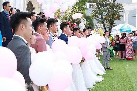 Ấn tượng lễ cưới tập thể của  công nhân  - Ảnh 6.