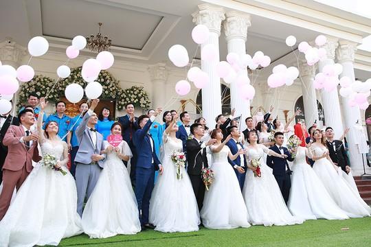 Ấn tượng lễ cưới tập thể của  công nhân  - Ảnh 7.