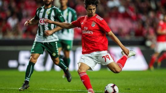 Atletico Madrid chơi lớn, tung 107 triệu bảng cho Joao Felix - Ảnh 1.