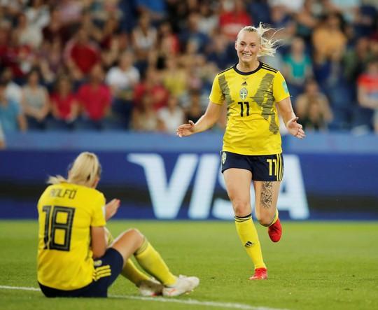 Hai quả penalty giúp Mỹ đánh bại Tây Ban Nha - Ảnh 6.