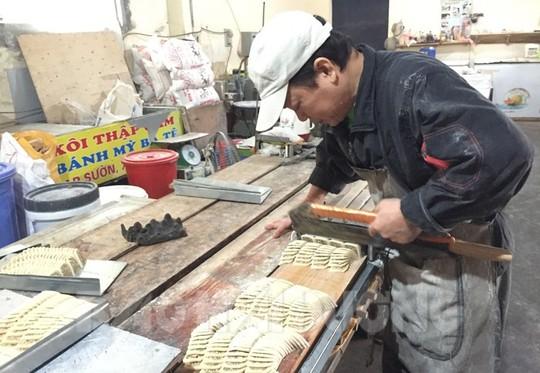 Một cơ sở sản xuất bánh chả