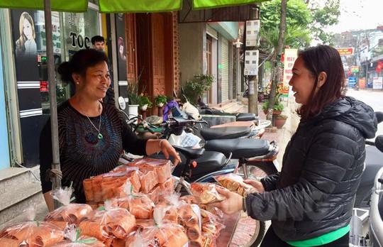 Bánh chả Kẻ Sặt ngoài tiêu thụ trong tỉnh Hải Dương, còn xuất đi nhiều tỉnh khác trong cả nước.