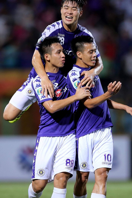 Văn Quyết đưa Hà Nội vào chung kết AFC Cup khu vực Đông Nam Á - Ảnh 2.