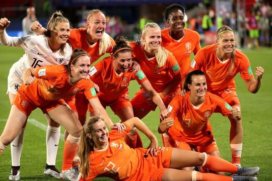 Bàn thắng phút 90 giúp Hà Lan loại Nhật Bản, vào tứ kết World Cup gặp Ý - Ảnh 6.