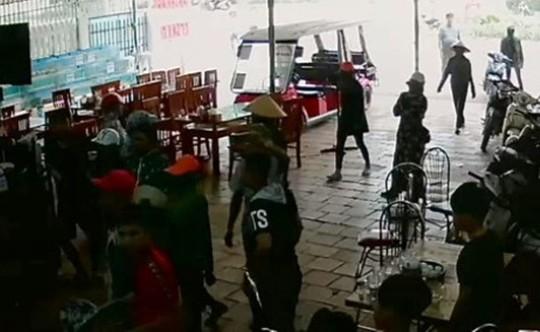 Vụ hỗn chiến ở biển Hải Tiến: Triệu tập thêm 5 người của nhà hàng Hưng Thịnh 1 - Ảnh 2.
