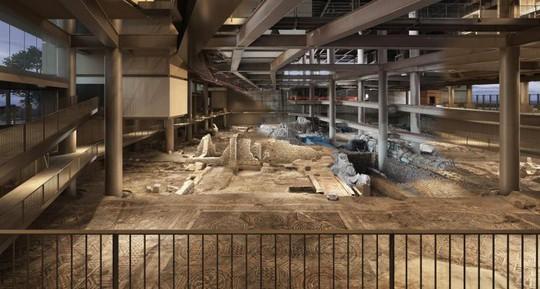 Xây khách sạn, đào phải 13 nền văn minh cổ đại - Ảnh 1.
