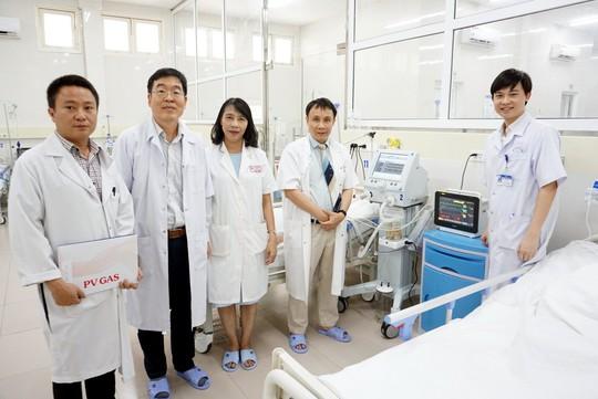 PV GAS tài trợ thiết bị y tế cho Bệnh viện Trung ương Huế - Ảnh 2.