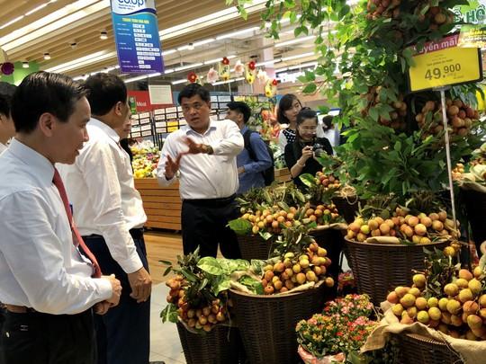 Vải thiều Bắc Giang bán ở siêu thị rẻ hơn  tại