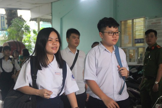 TP HCM: Không đủ nguyện vọng đăng ký, 4 trường phổ thông dừng tuyển sinh lớp 10 tích hợp - Ảnh 1.