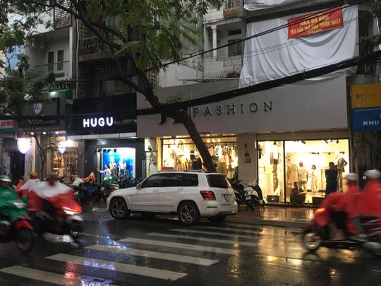 TP HCM Hon chien o quan Phu Nhuan 2 nguoi bi thuong nang