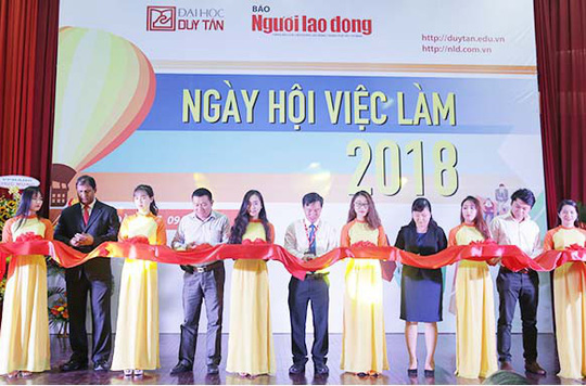 Ngày hội Việc làm tại Đại học Duy Tân: Hàng ngàn cơ hội việc làm đang chờ ứng viên - Ảnh 1.