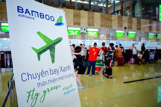 Chuyến bay đặc biệt của Bamboo Airways khởi đầu hành trình bay Xanh - Ảnh 1.