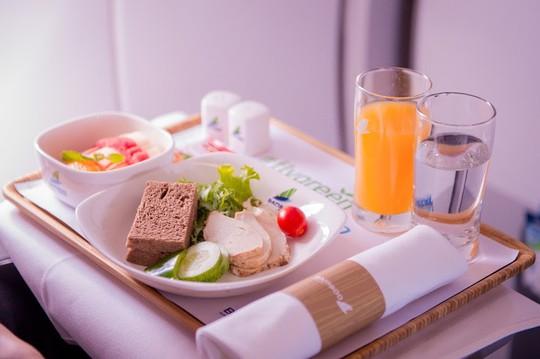 Chuyến bay đặc biệt của Bamboo Airways khởi đầu hành trình bay Xanh - Ảnh 5.