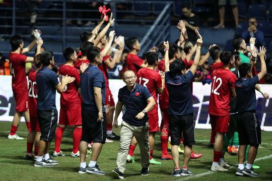 Trước trận chung kết Việt Nam - Curacao: Thầy Park tính đưa hết dự bị ra sân - Ảnh 2.