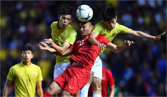 Việt Nam tiếp tục tăng bậc trên bảng xếp hạng FIFA - Ảnh 2.