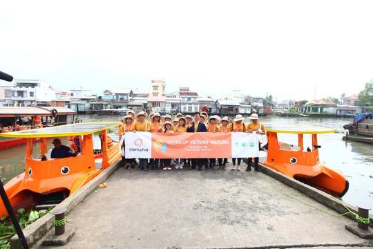 """Tập đoàn Hanwha triển khai chiến dịch """"Làm sạch sông Mê Kông"""" bằng năng lượng mặt trời tại Việt Nam - Ảnh 1."""