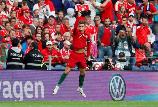 Người hùng Ronaldo đưa Bồ Đào Nha vào chung kết Nations League - Ảnh 4.