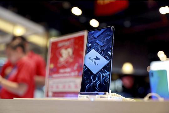 Đến lượt Facebook giáng đòn lên Huawei - Ảnh 2.
