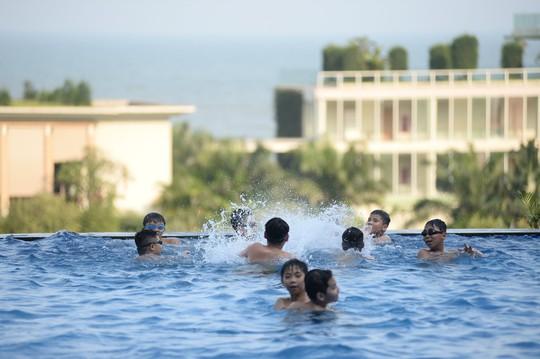 FLC Hotels & Resorts: Hành trình nắm tay con đi khắp muôn nơi - Ảnh 7.