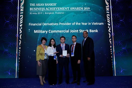 Nhận giải thưởng của Asian Banker, MBBank khẳng định vị thế hàng đầu trên thị trường phái sinh - Ảnh 1.
