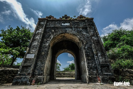 Lên đỉnh đèo Ngang khám phá 'cổng trời' bị lãng quên - Ảnh 2.