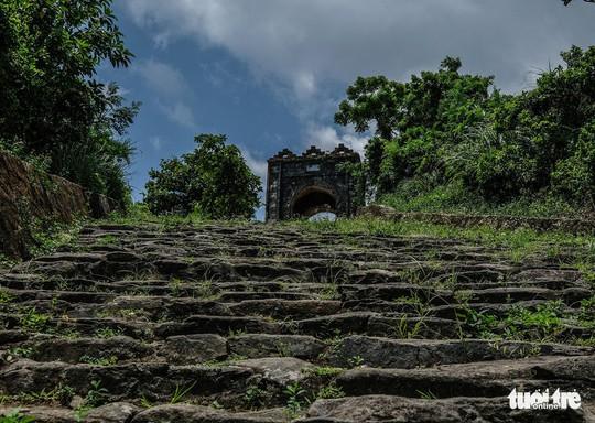 Lên đỉnh đèo Ngang khám phá 'cổng trời' bị lãng quên - Ảnh 5.