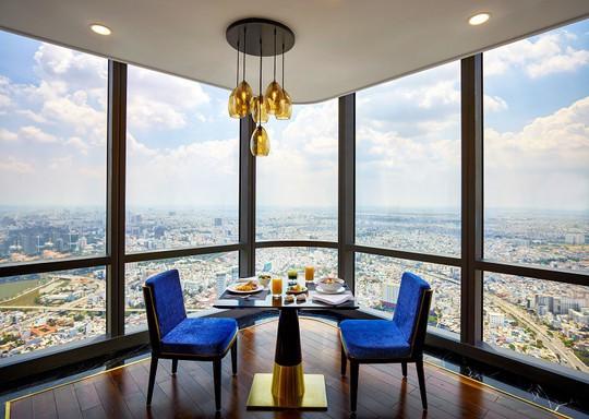"""Đầu bếp nổi tiếng thế giới trổ tài nấu món """"phở chọc trời"""" tại Vinpearl Luxury Landmark 81 - Ảnh 4."""