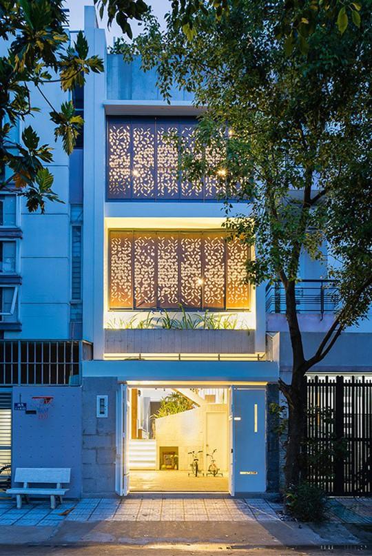 Xây lệch tầng mang ánh sáng tràn vào nhà ống Sài Gòn - Ảnh 11.