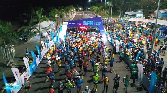 VnExpress Marathon 2019 khuấy động thành phố biển Quy Nhơn - Ảnh 1.