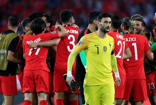 Sốc: Thổ Nhĩ Kỳ quật ngã nhà vô địch World Cup ở vòng loại Euro - Ảnh 3.