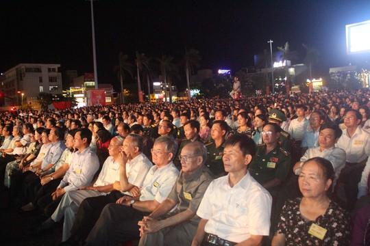 Kỷ niệm 30 năm lập lại tỉnh Quảng Trị: Đón nhận Huân chương Độc lập hạng nhất - Ảnh 2.