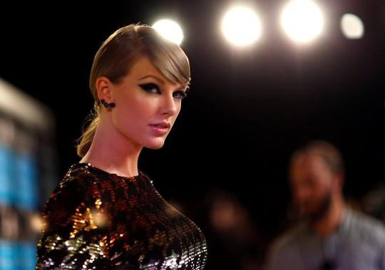 Taylor Swift tố quản lý bắt nạt và âm mưu thao túng - Ảnh 2.
