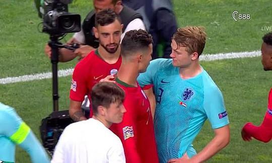 """""""Bom tấn"""" De Ligt chào sân Juventus nhờ luật thuế mới của Ý - Ảnh 2."""