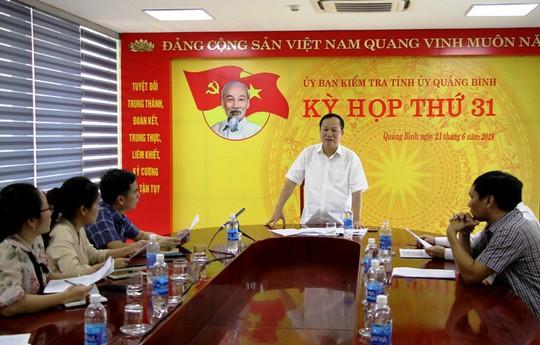 Chủ nhiệm UBKT Tỉnh ủy Quảng Bình nói gì về kết luận nhẹ tay với 2 vụ phá rừng? - Ảnh 1.