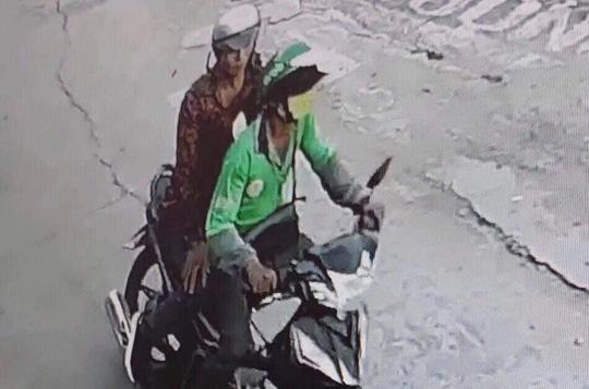 Truy tìm kẻ cứa cổ tài xế GrabBike cướp xe máy - Ảnh 1.