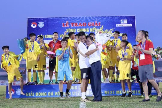 Có bầu Đệ treo thưởng, U17 Thanh Hóa lên ngôi - ảnh 2
