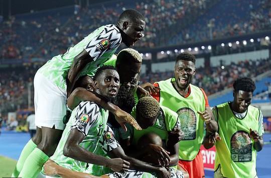 Sao Ngoại hạng Anh tỏa sáng, Senegal và Nigeria vào bán kết CAN 2019 - Ảnh 10.