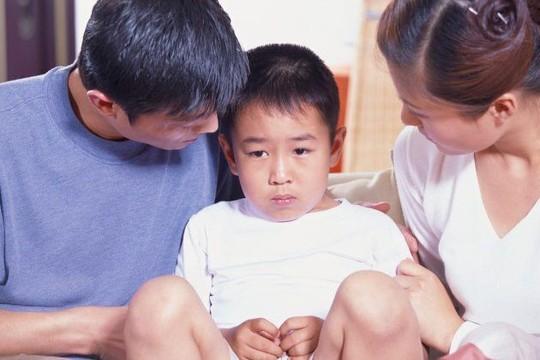 Đi giám định ADN vì mẹ chồng thấy con không giống cha - Ảnh 1.
