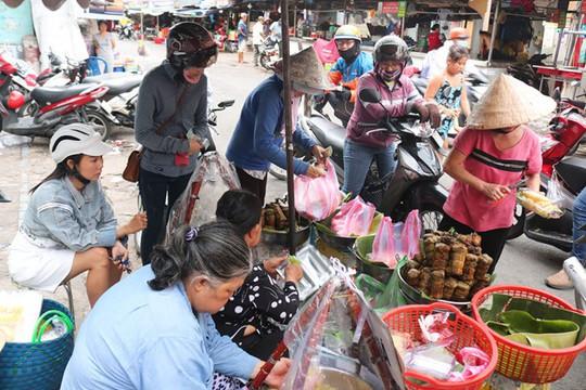 Người Sài Gòn phát sốt với xôi vò nguyên múi sầu riêng khủng - Ảnh 3.