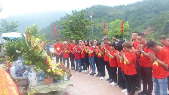 Nguyên Chủ tịch nước Trương Tấn Sang trao 276 căn nhà tặng cựu binh Vị Xuyên - Ảnh 5.
