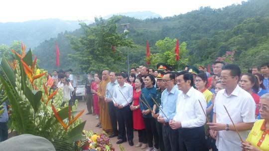 Nguyên Chủ tịch nước Trương Tấn Sang trao 276 căn nhà tặng cựu binh Vị Xuyên - Ảnh 3.