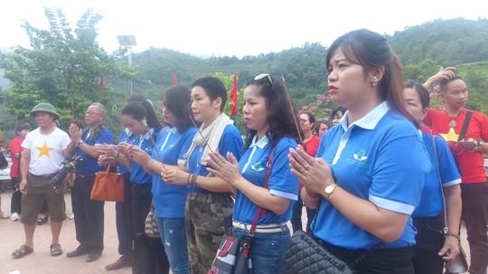 Nguyên Chủ tịch nước Trương Tấn Sang trao 276 căn nhà tặng cựu binh Vị Xuyên - Ảnh 8.
