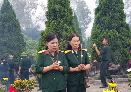 Nguyên Chủ tịch nước Trương Tấn Sang trao 276 căn nhà tặng cựu binh Vị Xuyên - Ảnh 11.