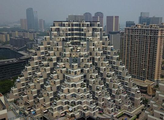 Những công trình kiến trúc kỳ lạ ở Trung Quốc - Ảnh 13.