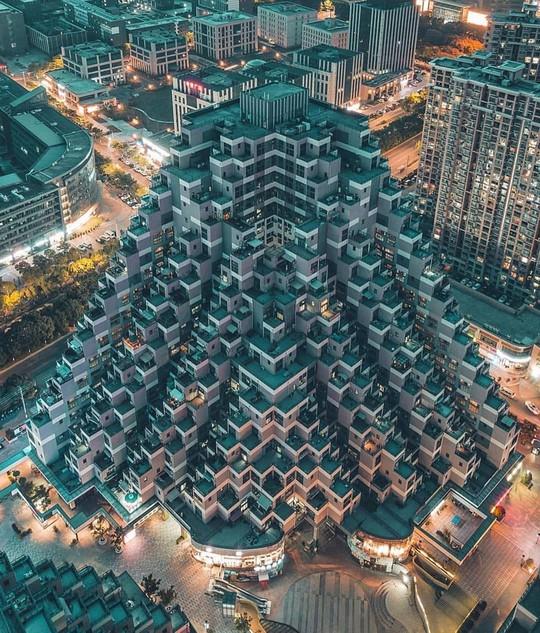 Những công trình kiến trúc kỳ lạ ở Trung Quốc - Ảnh 14.