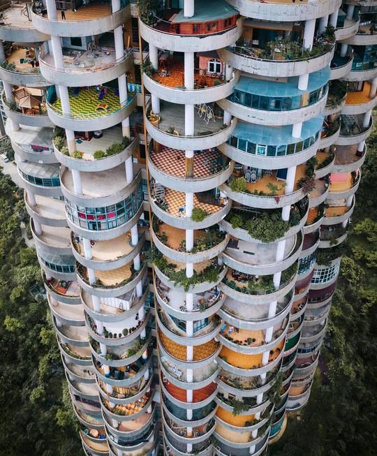 Những công trình kiến trúc kỳ lạ ở Trung Quốc - Ảnh 6.